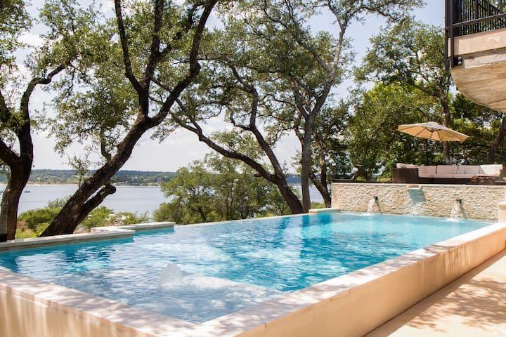 Beautiful lake travis waterfront retreat villas for rent