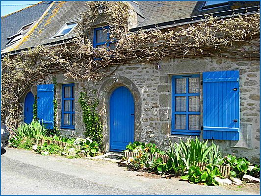Shire house, blue door and shutters, stone cottage Home Decor - chambre chez l habitant saint brieuc