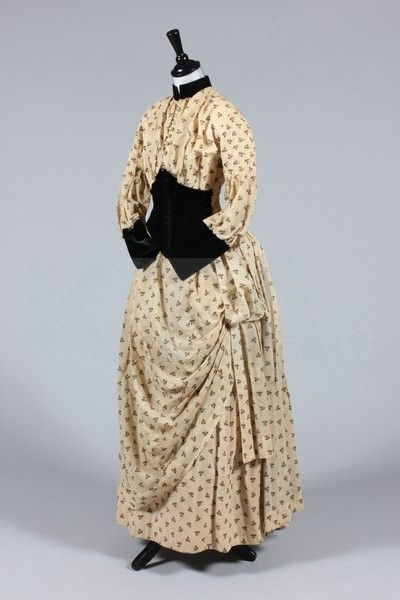 Dress 1890, Made of wool