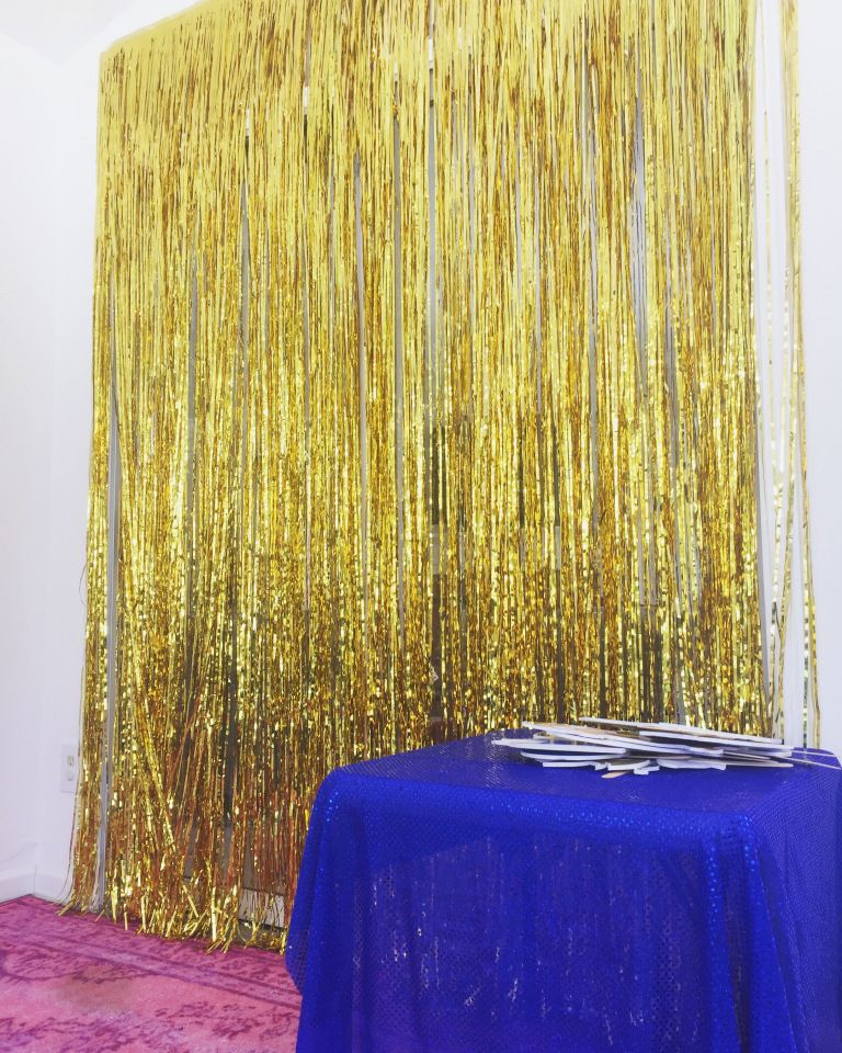 Beauty and the Beast party gold photo wall | Beauty and the Beast ...