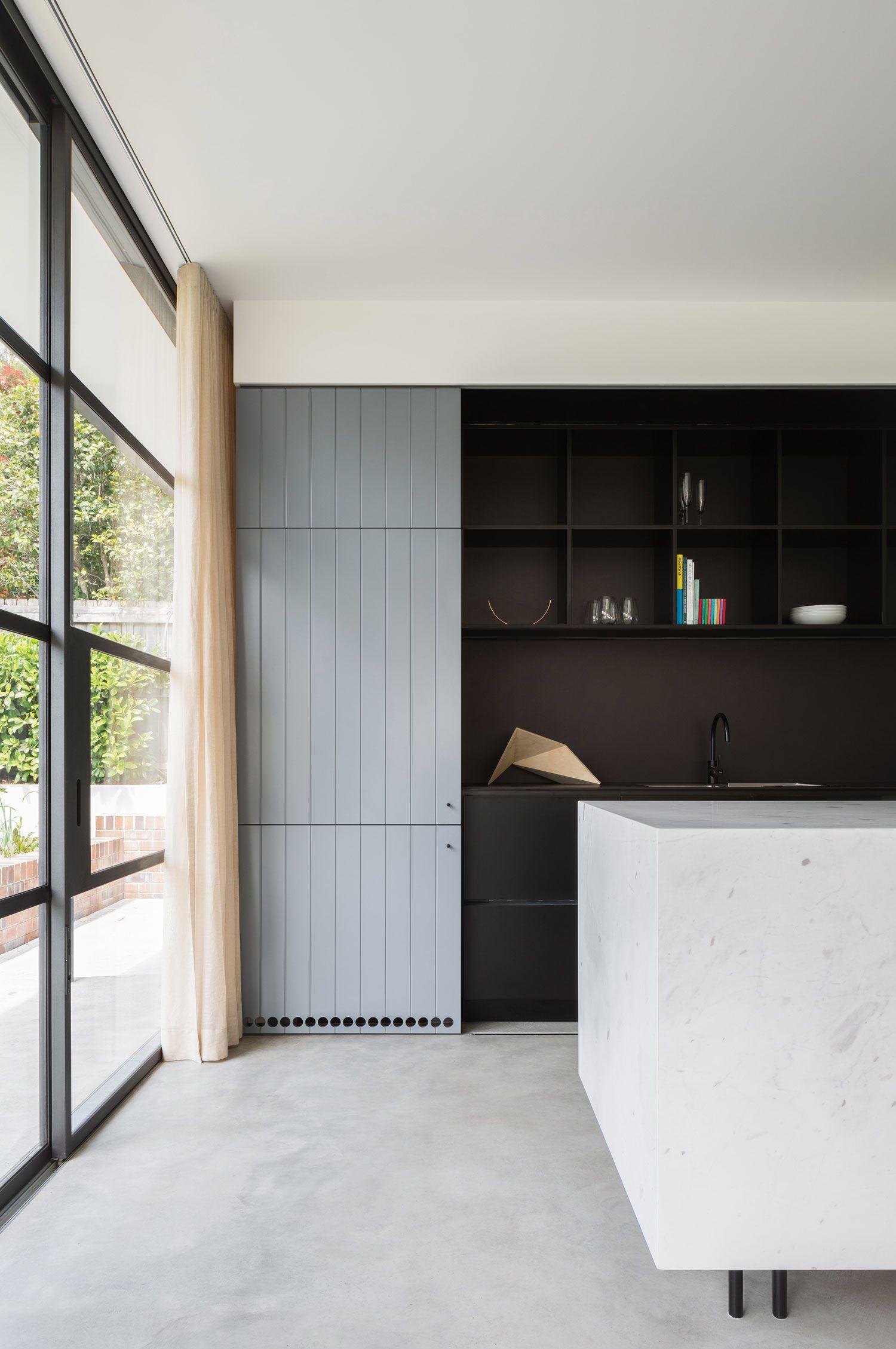 Au Yeung House in Sydney by Tribe Studio | Küchen ideen, Scheunen ...