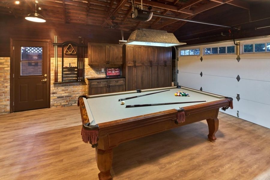 See Our Favorite Garage Ideas With Pool Table And Browse Through Our Favourite Garage Ideas With Pool Table Footag Garage Game Rooms Game Room Pool Table Room