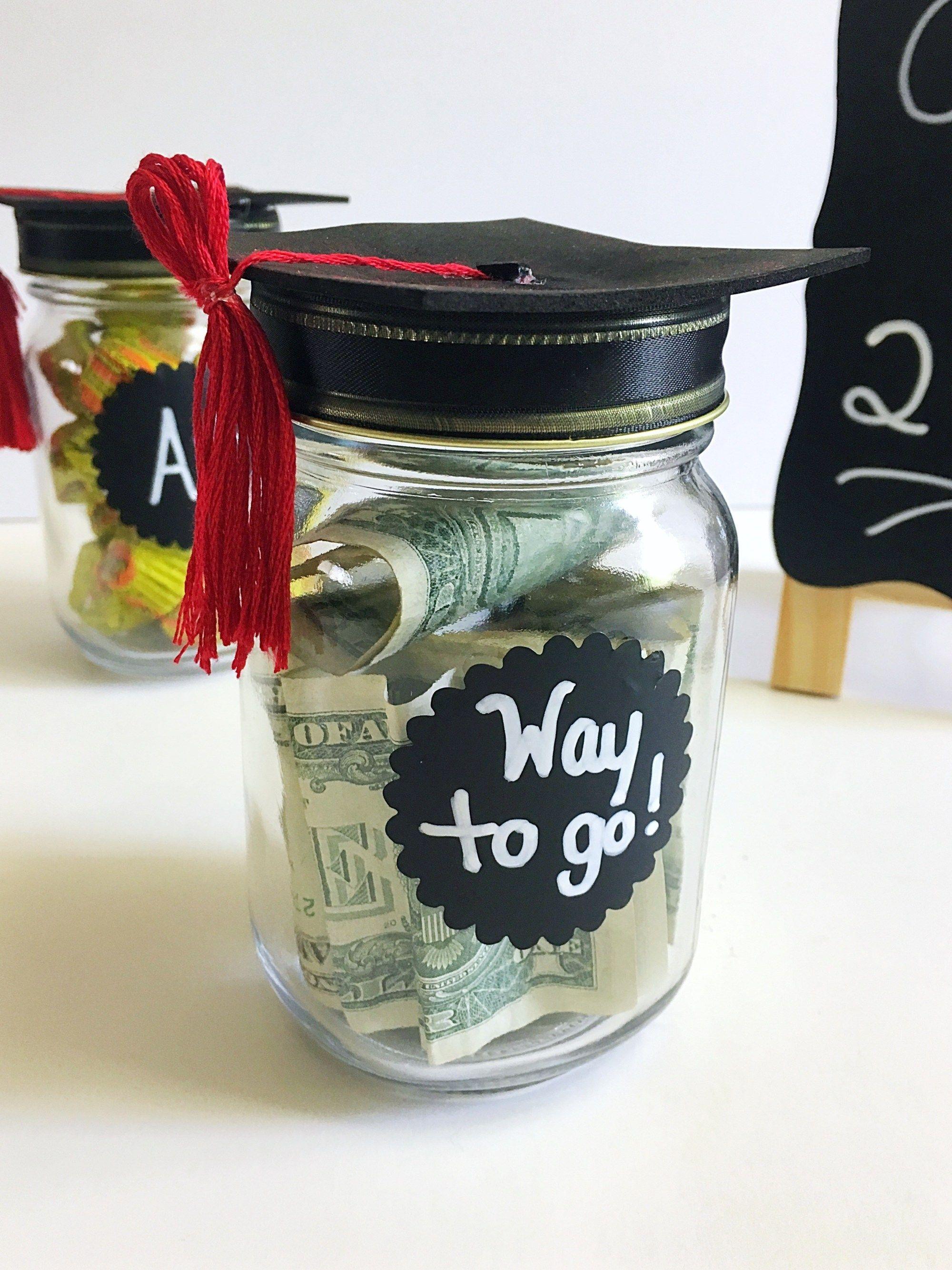 Mason Jar Graduation Hat Gift Idea And Free Print Graduation Gifts Mason Jars Mason Jar Gifts