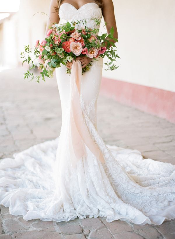 Pink and greenery wedding bouquet: http://www.stylemepretty.com/2016/10/04/fall-wedding-trends/ Photography: Jose Villa - http://josevilla.com/