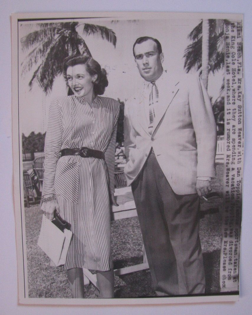 Press Photo Of New York Yankees Baseball Team Owner Dan Topping And Girlfriend Mrs Kay Sutton Weaver Sp In 2020 New York Yankees Baseball Press Photo New York Yankees