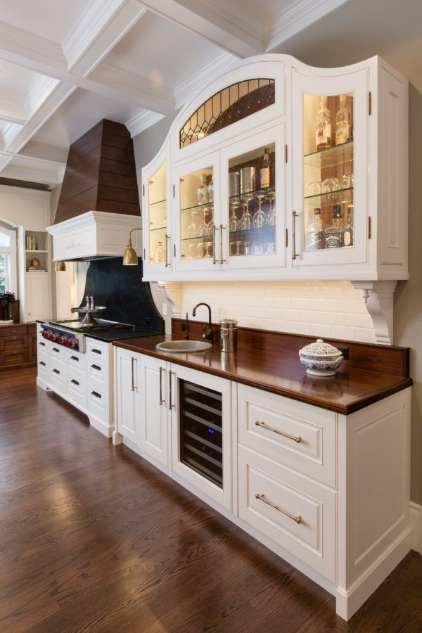Ferry Kearns Mansion--A Stunning Victorian Kitchen with custom cabinetry. So many amazing little details in this kitchen. Designed by @LynetteYoung @marleycontructionpc @alicelanehome @circalighting #kitchen #Victoriankitchen #traditionalkitchen #parkcityutah #customcabinets #whitekitchen #kitchencabinets #kitchenisland #banquettesetting #interiordesign #home #house #luxuryhomes