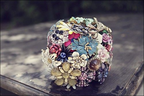 Google Image Result for http://www.intimateweddings.com/blog/wp-content/uploads/2010/07/broochflowers31-500x333.jpg