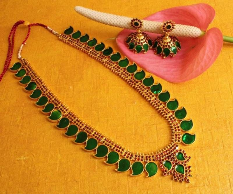 RePin if you like these South Indian Bridal Costume Jewellery ...