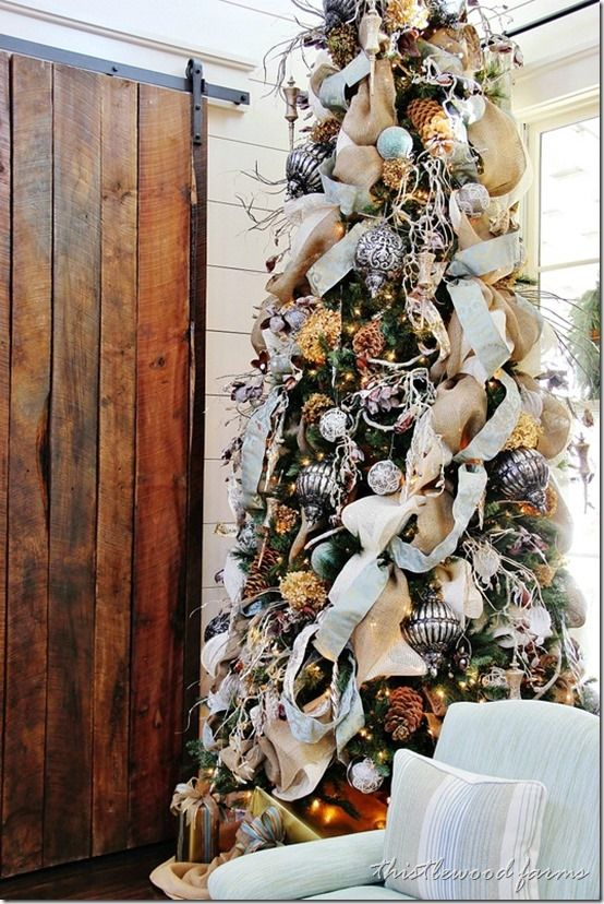 burlap and dried hydrangeas southern living idea house christmas tree - Southern Living Christmas Decorations