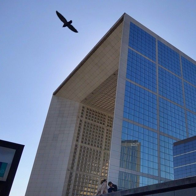 photo taken by simonhs via Instagram. Grande Arche de la Défense #ladefense #paris #france