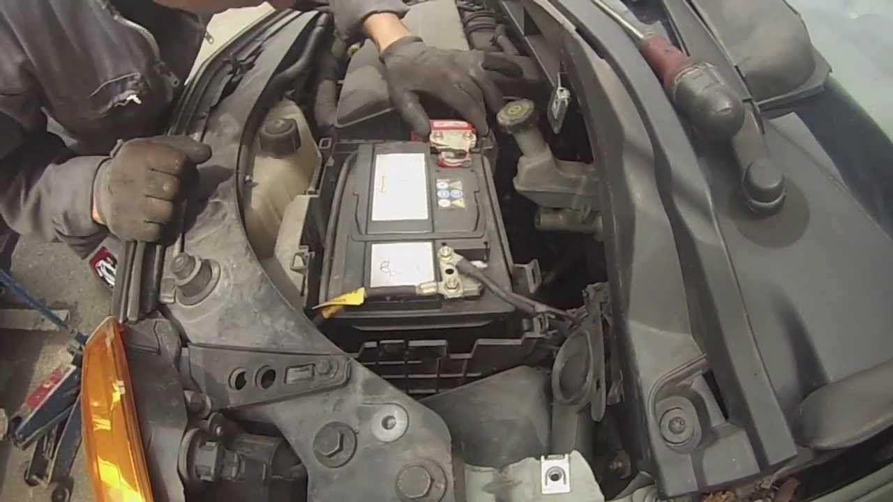 Renault Modus : Dépose de la batterie | Renault modus