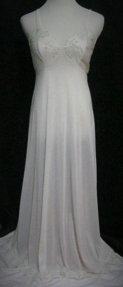 Vntg. Miss Elaine Nightgown White,Long, Med. Embroidered Floral, Lace Trim #MissElaine
