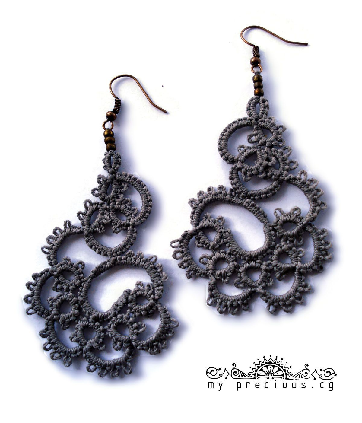 Tatted lace earrings in grey//Tatting lace//frivolite//Tatted ...