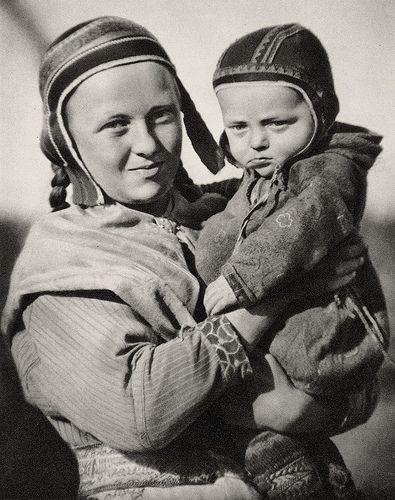 Sami Woman And Child Enare Finland Exceptionel