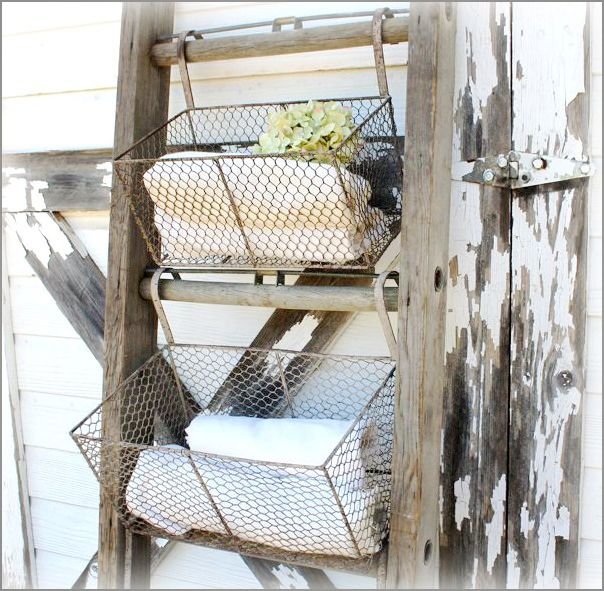 Rustic Repurposed Shelving Use An Old Ladder Section Hang Wire Baskets With Hooks Over The Rungs Wire Basket Shelves Farmhouse Style Diy Farmhouse Diy