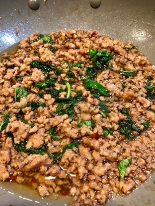 Bild von Minced Pork With Thai Basil Bangkok Style [pa