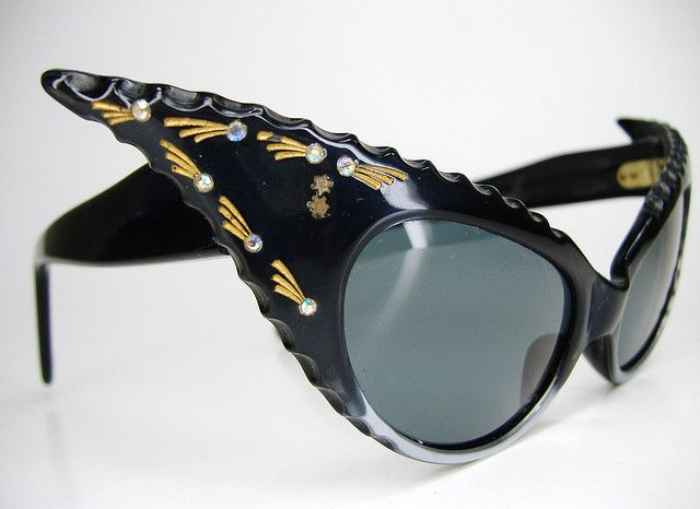 Vintage Wicked Extreme France Cay Eye Sunglasses