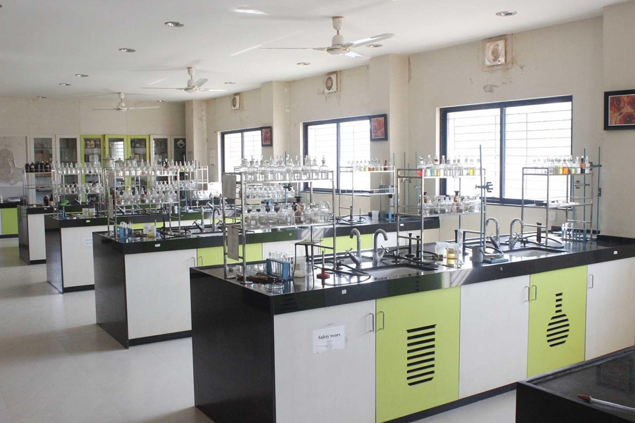 Image Result For Best Chemistry Laboratory Design In