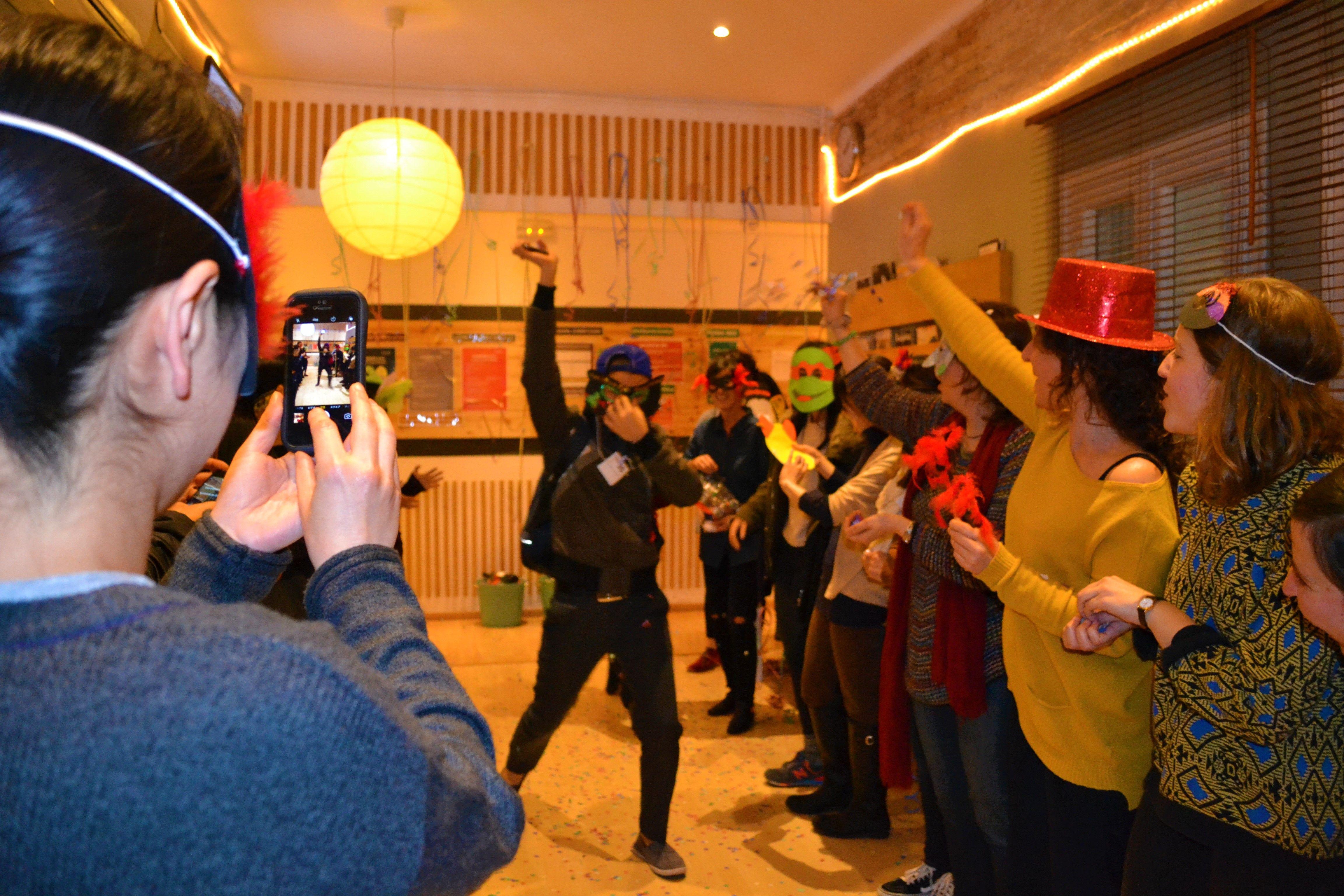 Pin de kingsbrook idiomas en carnaval 2017
