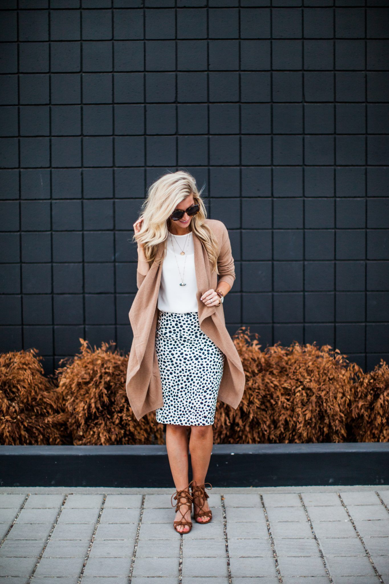 Summer to fall look in a printed pencil skirt, cognac sweater, and strappy shoes || Elle Apparel Blog