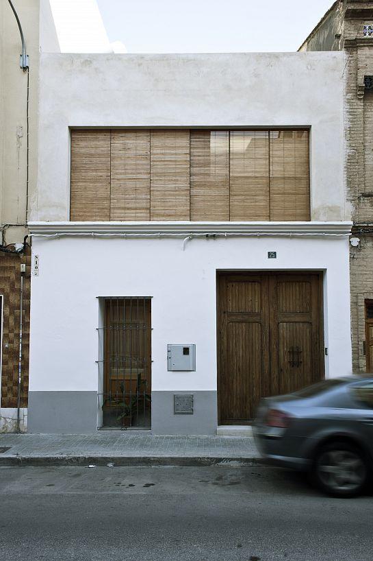 Rehabilitaci n de casa entre medianeras burjassot - Fachadas viviendas unifamiliares ...