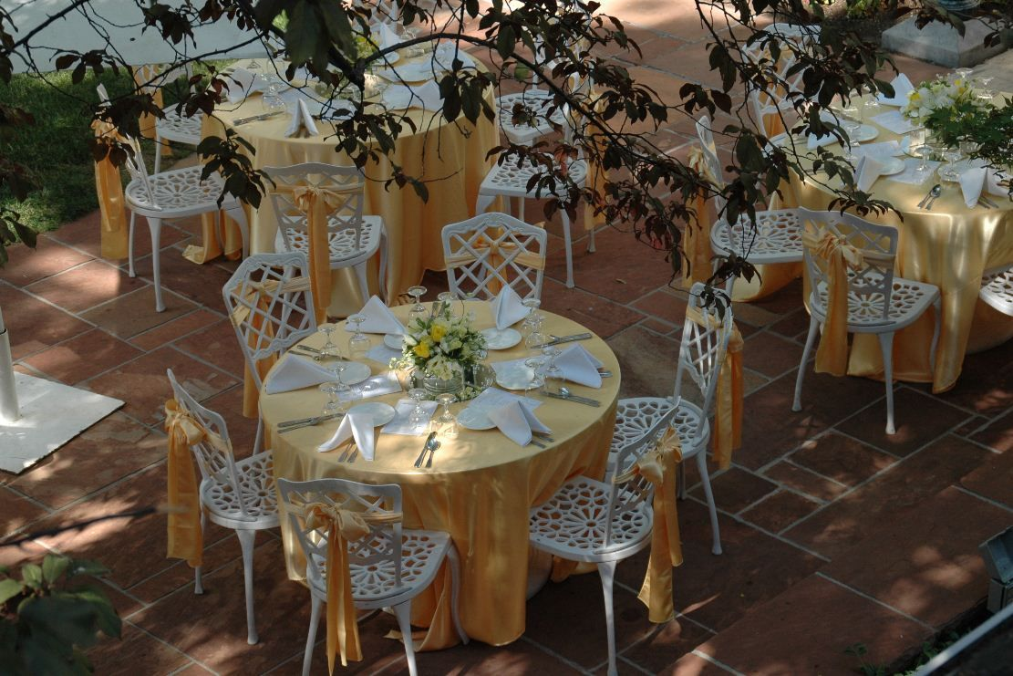 beautiful backyard weddings weddings on the square garden