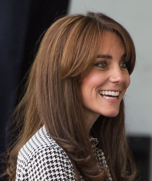 A Closer Look At Kate Middleton S New Bangs Kate Middleton Hair Hair Styles Duchess Kate