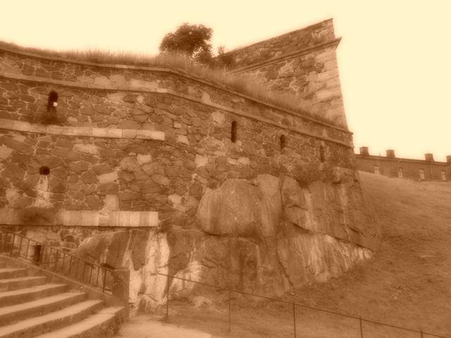 Victorian Gothik Sepia: I captured the Castle. Suomenlinnassa