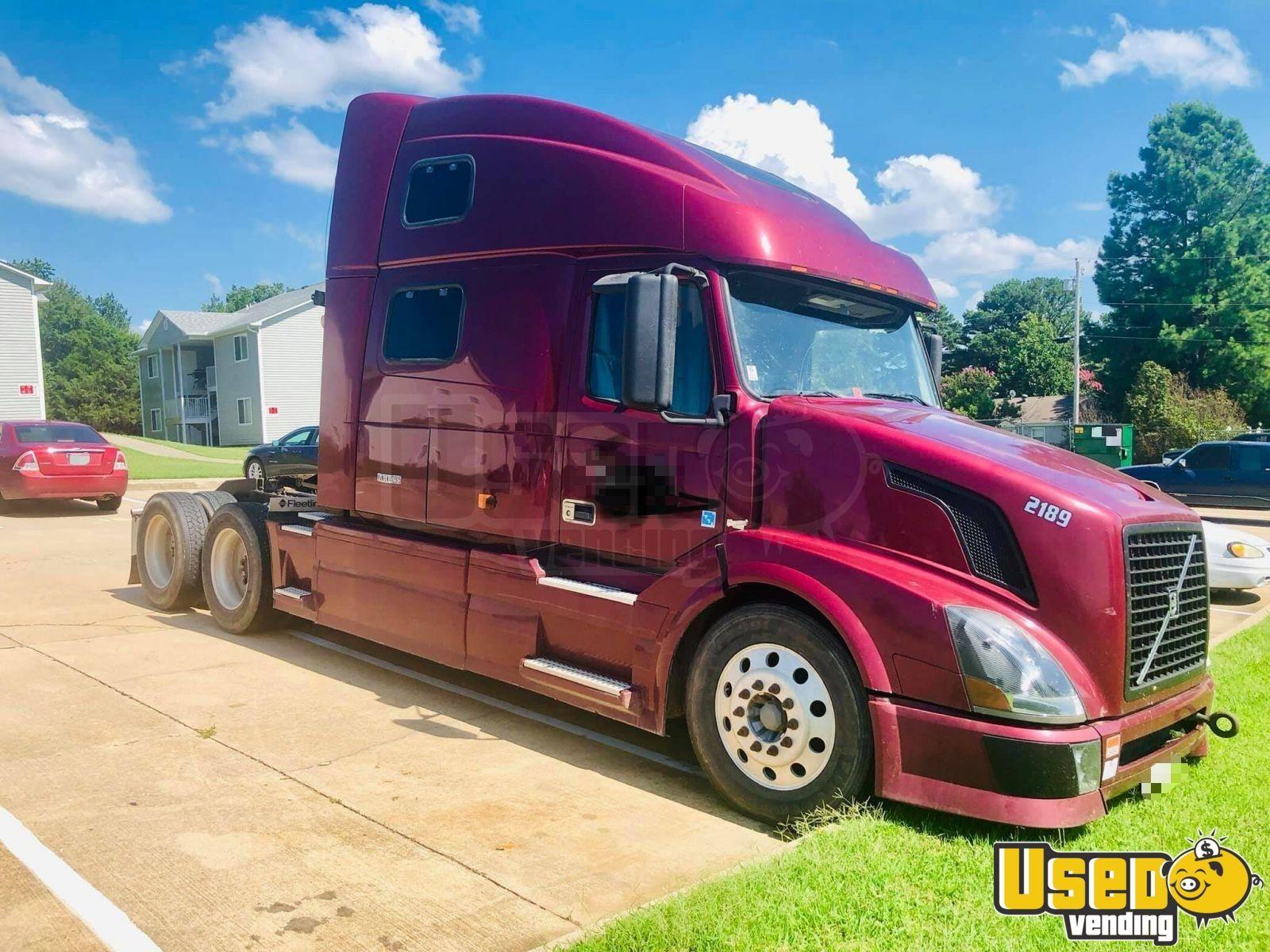 Fully Deleted Super Heavy Duty Volvo Sleeper Cab Semi Truck For Sale In Arkansas Volvo Trucks Semi Trucks