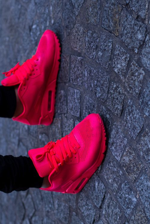 0d9ca437d85 when I see these sneakers in pictures they look INCREDIBLE!  nike  am90   airmax  hyperfuse  red  sneakers