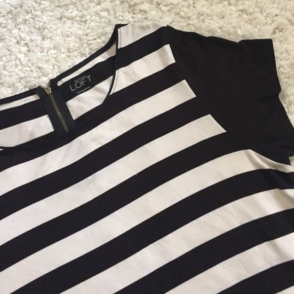 LOFT Dress Tee SUPER soft cotton shirt with zipper-back detailing and black & white stripes make this tee a work-to-play piece. Pair with black capris  and heels or jean shorts and a fedora! Never worn and in perfect condition! Slightly longer length also makes a flattering and modest fit :) LOFT Tops Tees - Short Sleeve