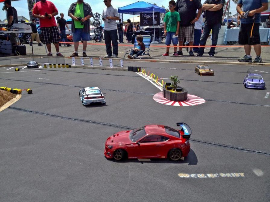 Remote Control Car Race >> Cute A Remote Control Car Race Featuring Toyota 86s Rc Cars