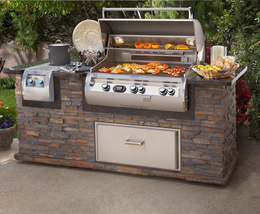 A Bbq Is A Necessity For A Husband That Loves Steak Pinmydreambackyard Outdoor Kitchen Outdoor Kitchen Appliances Outdoor Kitchen Bars