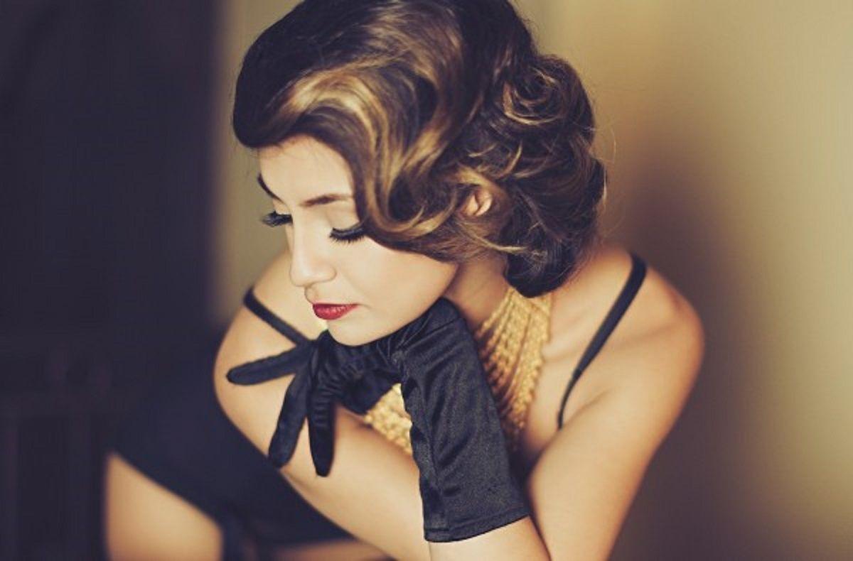 """Femeie înţeleaptă sau femeie inteligentă (deșteaptă): să verificăm – ce tip eşti Femeia inteligentă mereu o să-i amintească soţului despre greşeli: """"Iubire te-am prevenit!"""" Femeia înţeleaptă o să-l încurajeze mereu de parcă nu s-a întâmplat nimic. Femeie inteligentă este întotdeauna gata să preia situația critică și să-şi învețe soțul cum să trăiască corect. Femeie înțeleaptă …"""