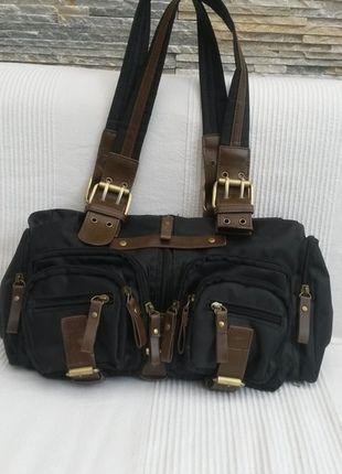 Kaufe meinen Artikel bei #Kleiderkreisel http://www.kleiderkreisel.de/damentaschen/handtaschen/106463310-schwarze-handtasche-mit-lederapplikationen-von-kangaroos