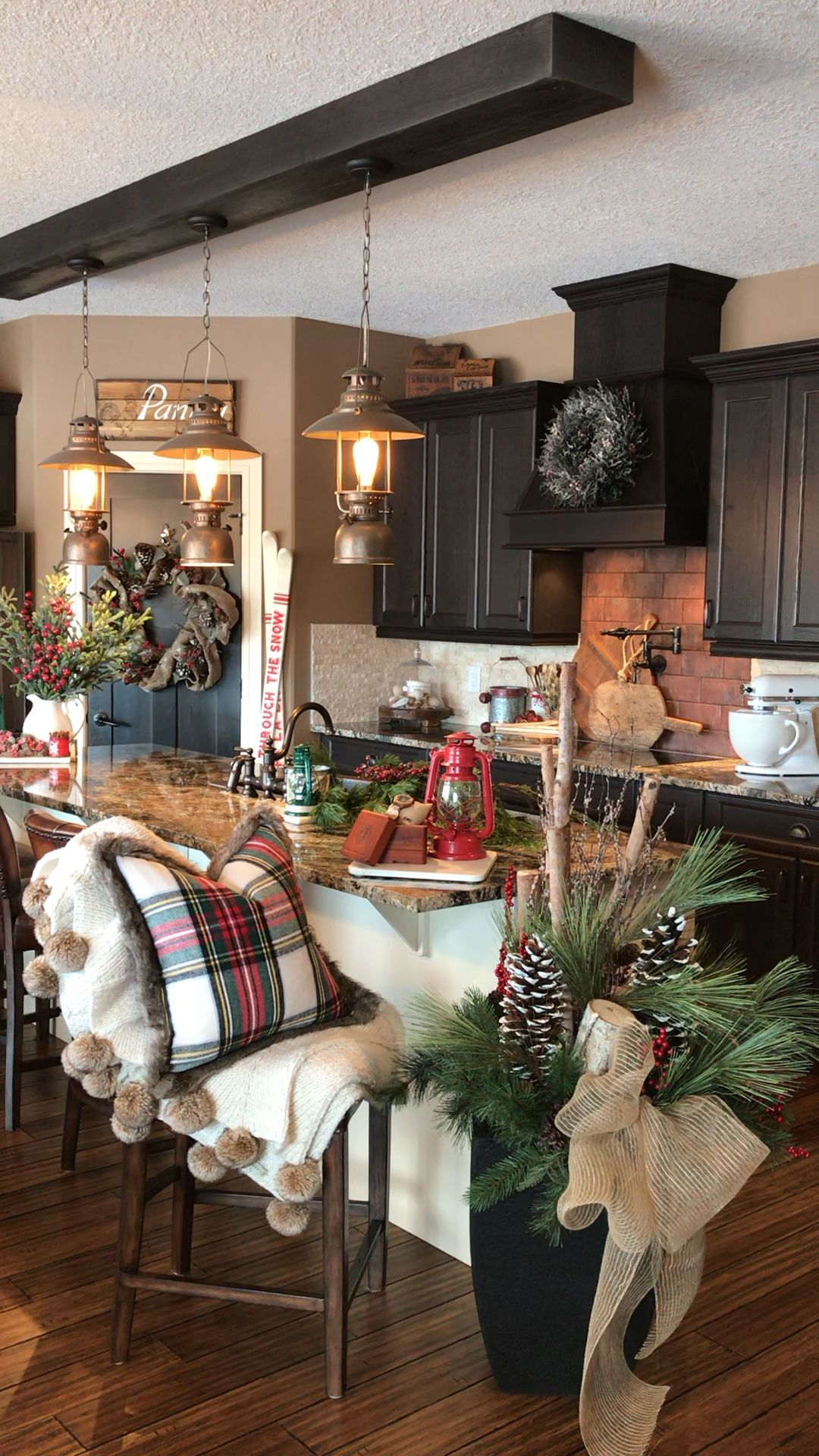 #farmhouse #rustic #rustichomedecor #kitchen #christmas #christmasdecor #house #lanterns #cozy #cozychristmas #holiday #holidaydecor #decor  #homedecor