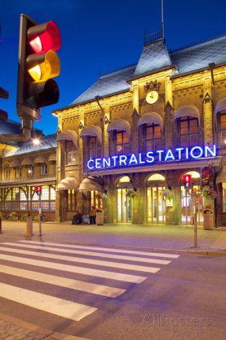 Central Station at Dusk, Drottningtorget, Gothenburg, Sweden, Scandinavia, Europe Fotografisk trykk