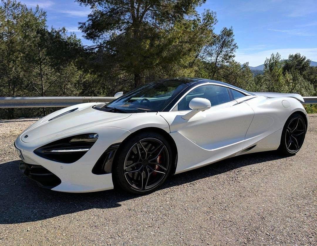 4 515 Likes 27 Comments Www Mclarentalk Com Mclarentalk On Instagram Raise Your Limits White Mclaren 720s Super Cars Super Luxury Cars Mclaren Cars