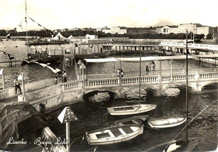 Livorno Cod C64 Cartolina Bagni Lido Viaggiata Nel 1964 Eur