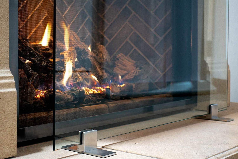 Manhattan Modern Free Standing Glass Fireplace Screen Clear Glass With Modern Feet In 2020 Glass Fireplace Freestanding Fireplace Glass Fireplace Screen