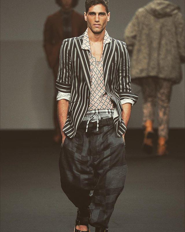 Fabio per vivienne westwood ! #fabiomancini #sfilata #runway #faccia #bellezza #pura