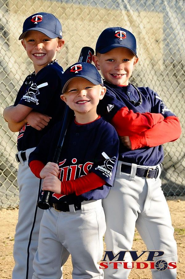 Baseball Buddies By Andy Stockglausner On 500px Baseball Photography Baseball Team Pictures Softball Photography