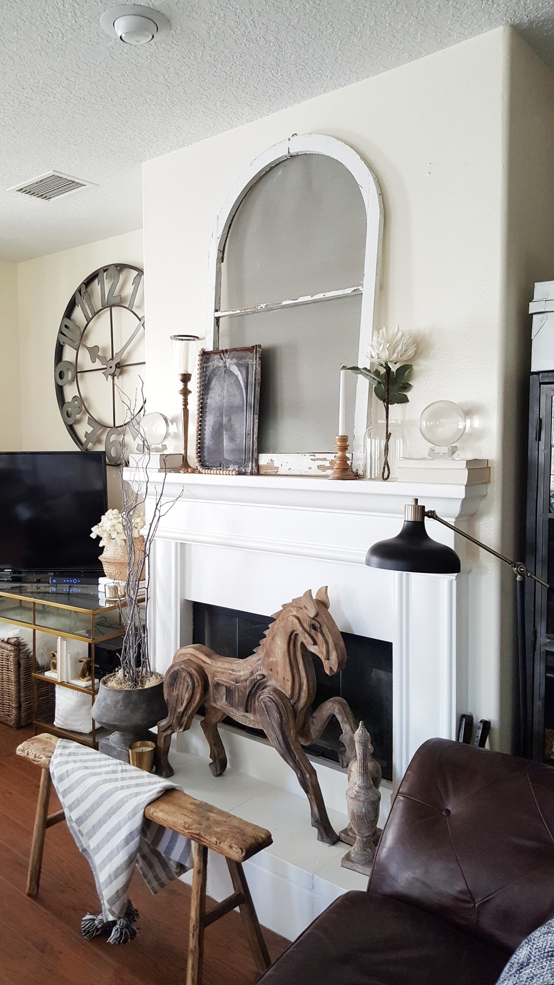 FALL-ing for Vintage and Modern Decor - Black and White Living Room ...