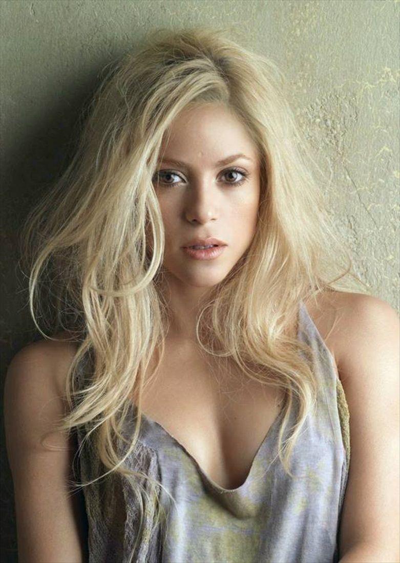 Absolutely stunning @Shakira Mebarak Mebarak