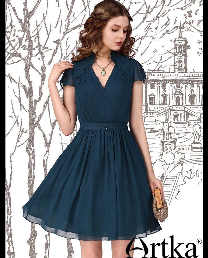 a454588b12d4e0 Коктейльное платье в стиле ретро с многослойной юбкой-полусолнце и  V-образным вырезом горловины