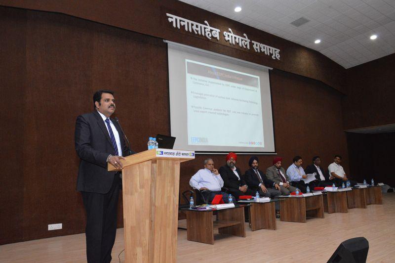 Shri Rajat Srivastava making presentation on EEPC INDIA and DHI scheme