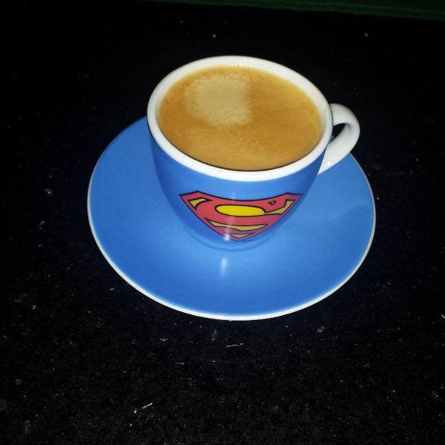 Eu mereço um super café  para o alto e avante.  Bom dia amigos a gripe tá indo e logo logo teremos o sorteio da caneca.  #amigosdacaverna #superman #coffee  #paleo #lowcarb #lowcarbo #primal #primalbrasil #lowcarbpaleo #gordura #comeagema #highfat #lowcarbhighfat #lchf #lchfbrasil #paleobrasil #barrigadebacon  #bacontente #debaconavida #eatrealfood #semmedodagordura #whole30 by senhorpaleo