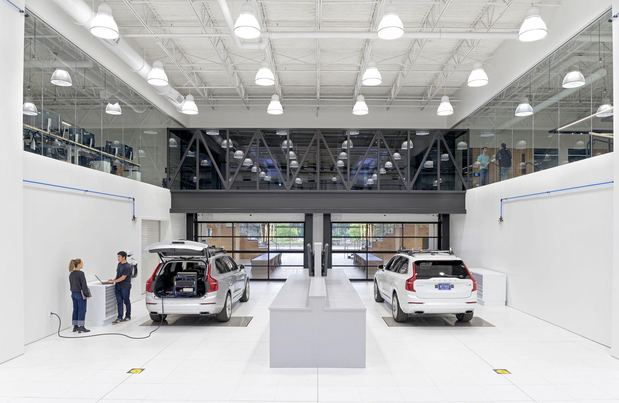 uber office design studio. Uber Advanced Technologies Group Center / Assembly Design Studio Office I