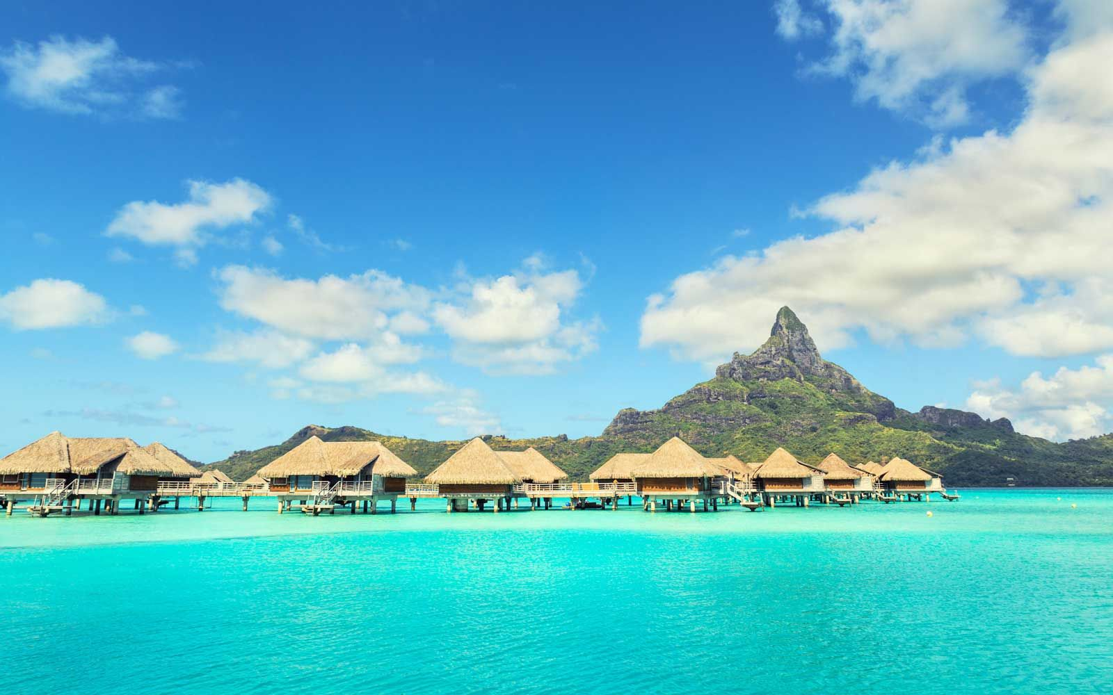 15 Of The World S Most Beautiful Islands Cool Places To Visit Around The World In 80 Days Breathtaking Places