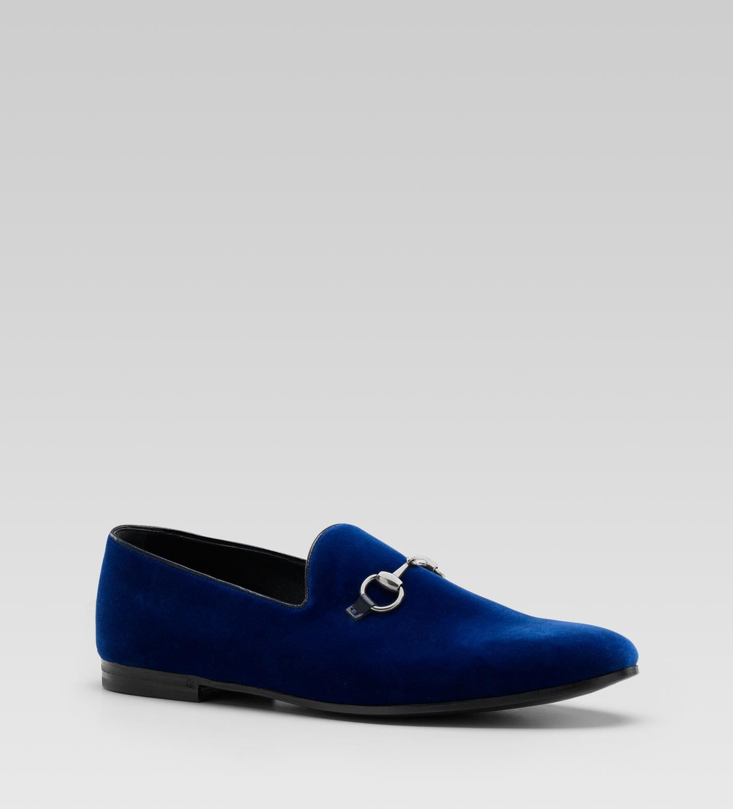 d98376bb6dab Are you kidding me with these shoes  A blue velvet horse bit Gucci loafer.  I am picturing this with jeans and a v-neck sweater or a classic white  oxford ...